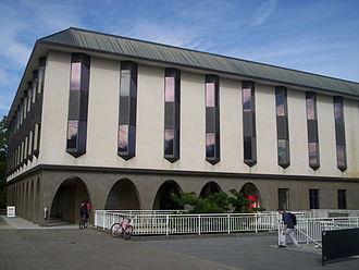 330px-Chifley_library_at_anu.jpg